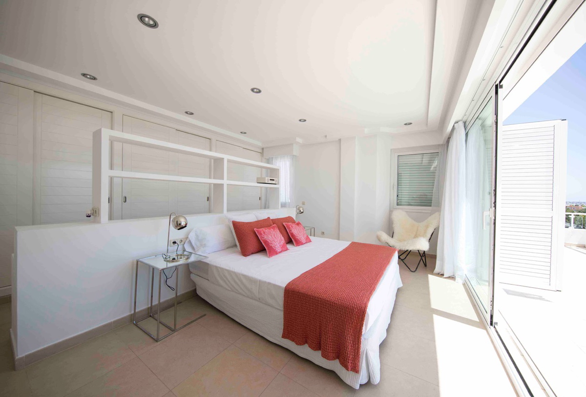 606sacarrocacopiadi24bedroomsuite1a