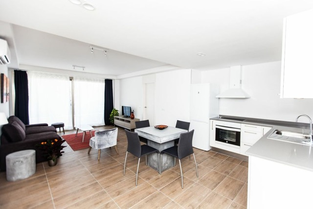 kitche+livingroom
