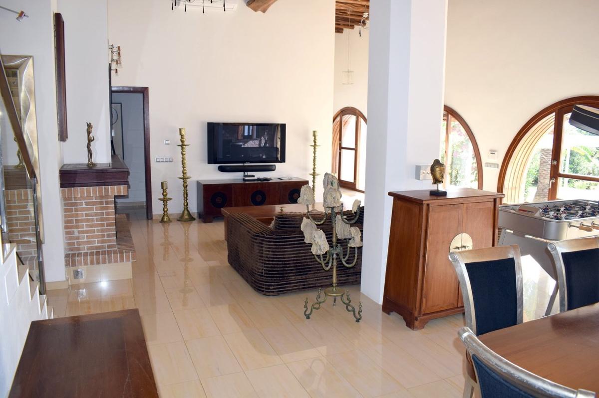 villa6106bedroomspuigdenvalls21