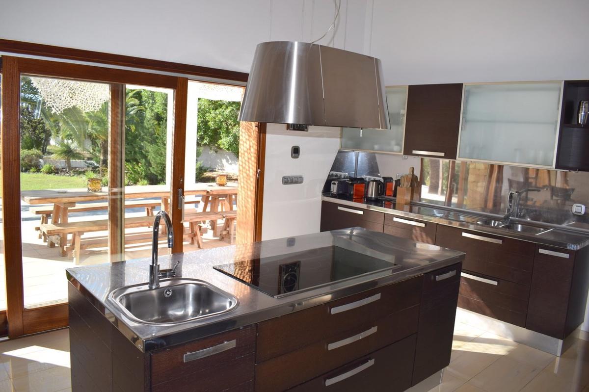 villa6106bedroomspuigdenvalls24