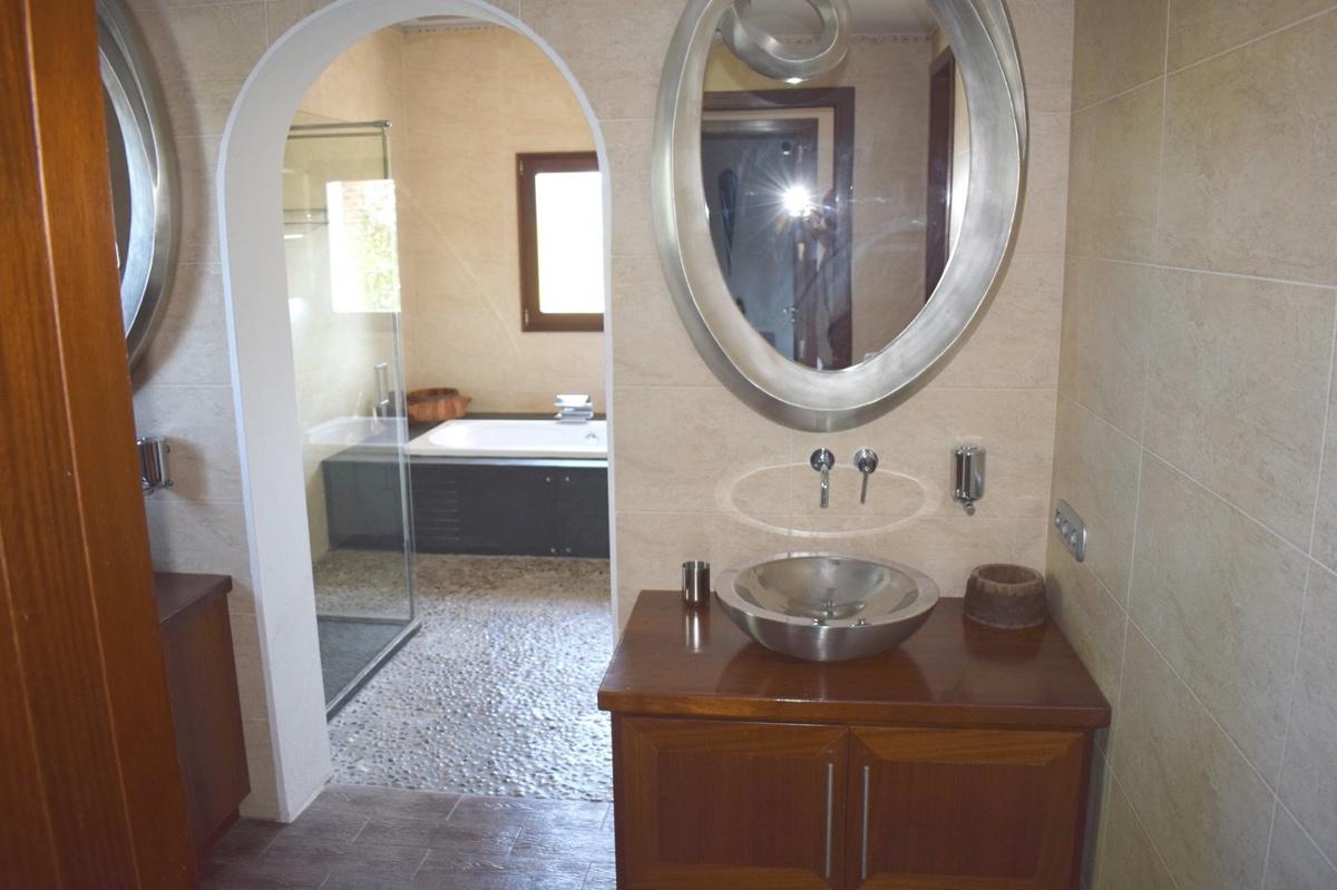 villa6106bedroomspuigdenvalls37