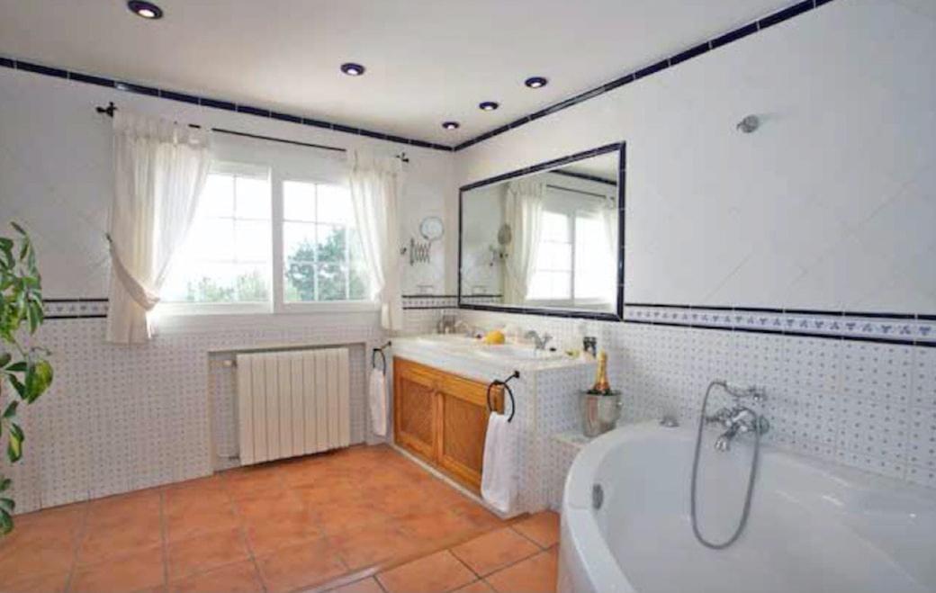 villa7017bedroomssacaleta24